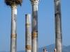 Volubilis-stork-columns-tourists-vert-060501